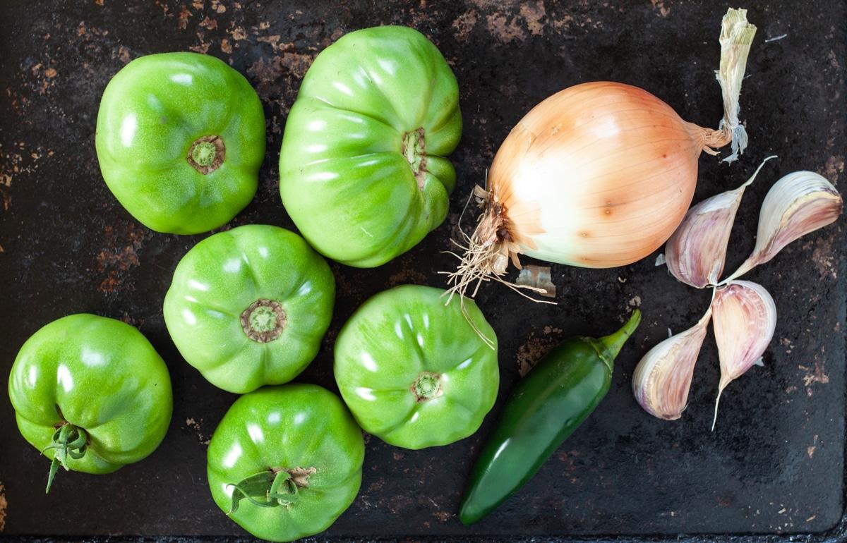 ingredients to make green tomato salsa